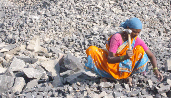 In de steengroeven van India: Van moderne slavernij tot coöperatieve ...: www.indianet.nl/in-steengroeven.html